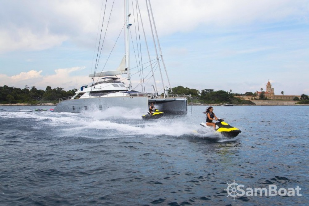 "Boat rental Monaco cheap 31.00 metres (101' 8"")"