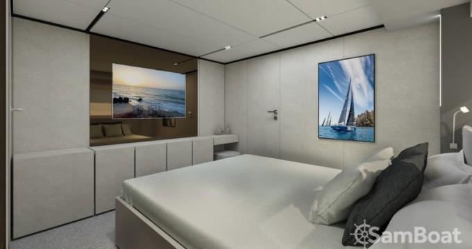 Rental Yacht Ferretti with a permit