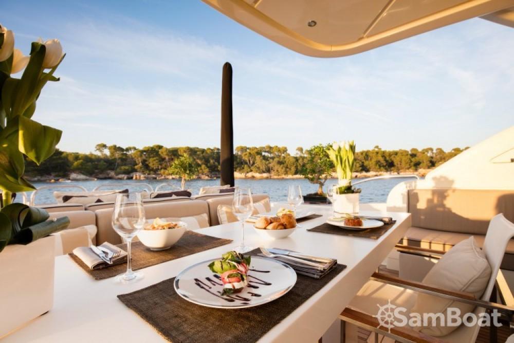 "Rent a Andrea-Bacigalupo 34.11 metres (111' 11"") Cannes"