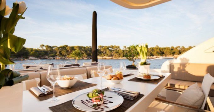 """Boat rental Cannes cheap 34.11 metres (111' 11"""")"""