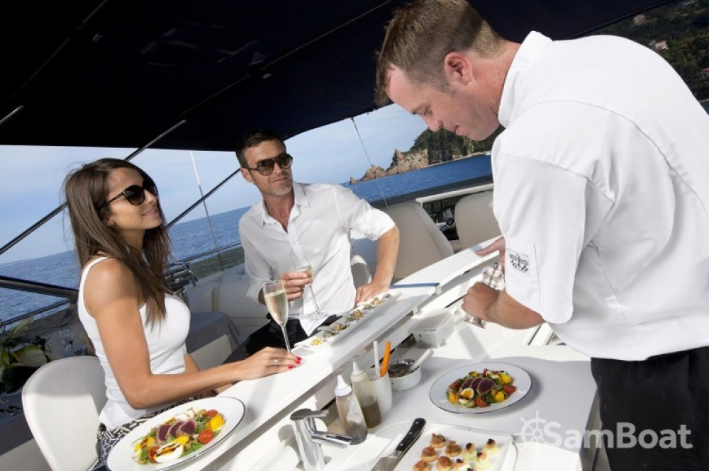 Rental Yacht Princess with a permit