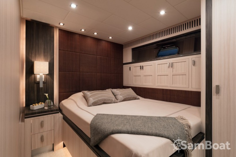 """Boat rental Andrea-Bacigalupo 34.11 metres (111' 11"""") in Cannes on Samboat"""