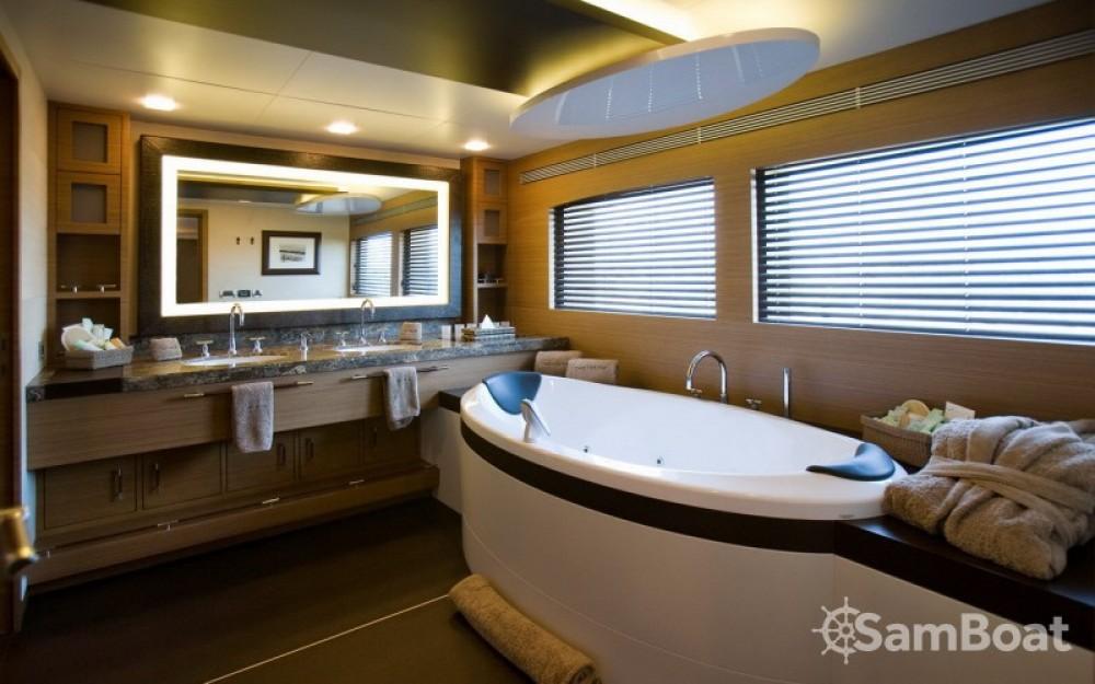"Boat rental Tamsen-Yachts 40.00 metres (131' 3"") in Monaco on Samboat"