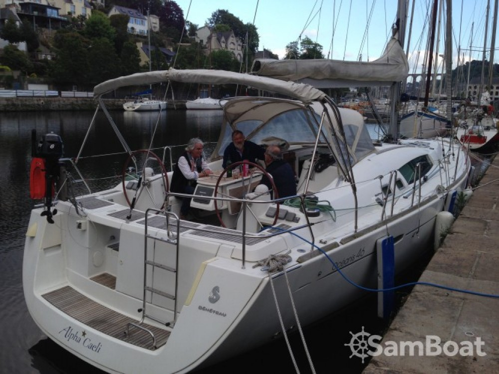 Hire Sailboat with or without skipper Bénéteau Morlaix
