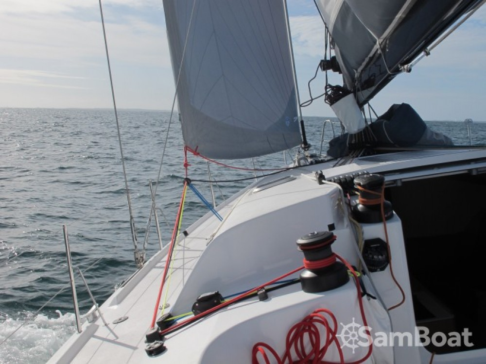 Hire Sailboat with or without skipper Pogo Structures La Trinité-sur-Mer