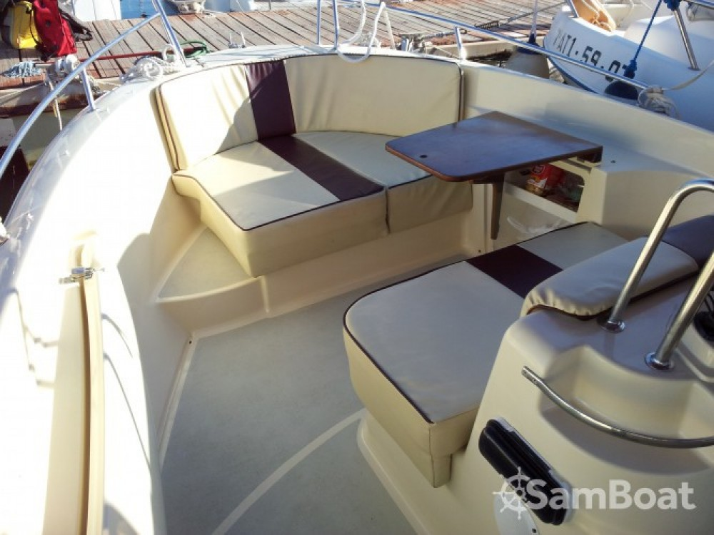 Boat rental Sessa Marine SENSACION VIVA 600 in Real Club Náutico on Samboat