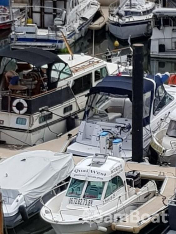 Rental Motor boat in Cergy - Four Winns Vista 238