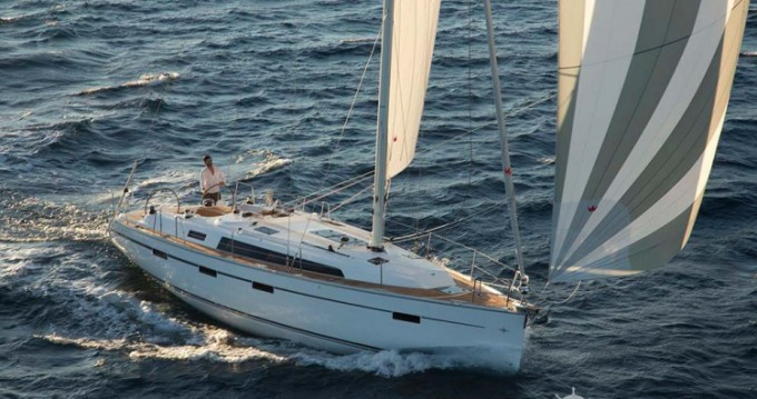 Rental Sailboat in Vólos - Bavaria Cruiser 41