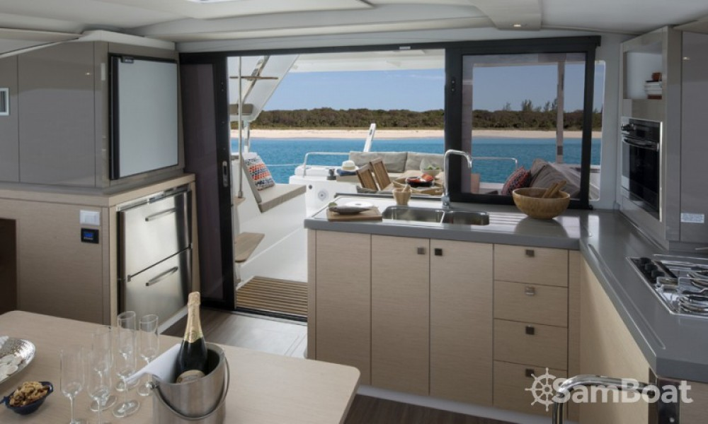 Boat rental Fountaine Pajot Lucia 40 in Croatia on Samboat