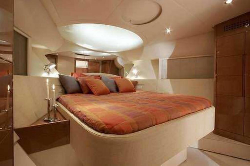 Rental yacht Castellammare di Stabia - Pershing Pershing 56 on SamBoat