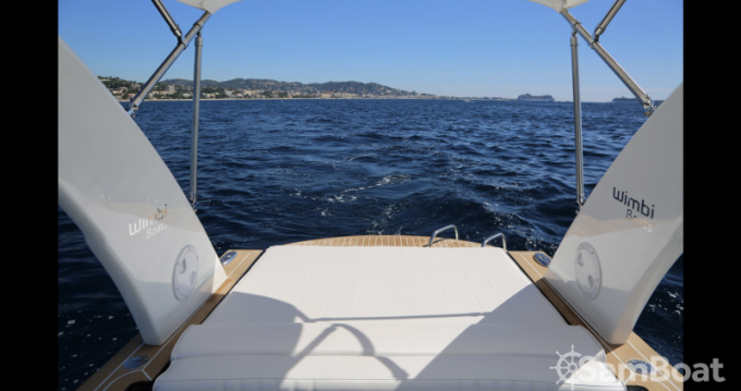 Wimbi Boats W7i between personal and professional Port Grimaud
