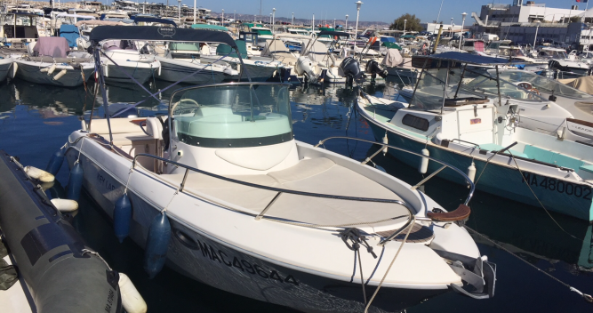 Sessa Marine Key Largo 22 Deck between personal and professional Marseille