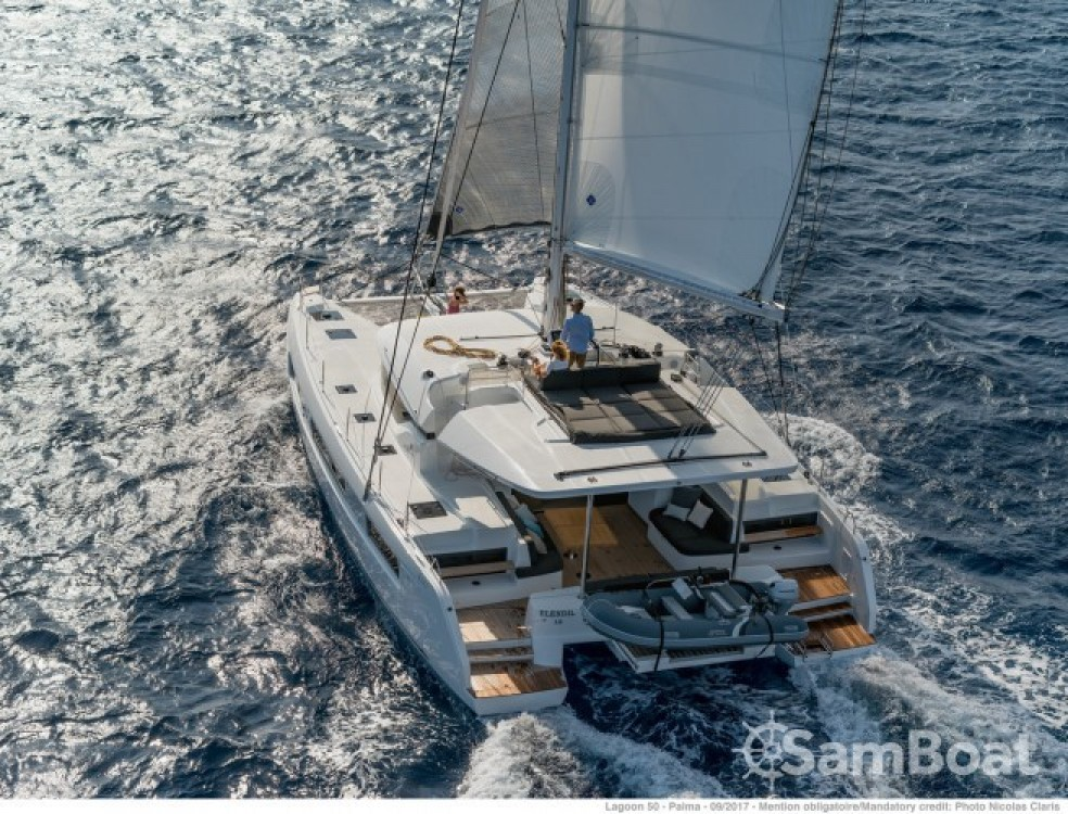 Hire Catamaran with or without skipper Lagoon Grimaud