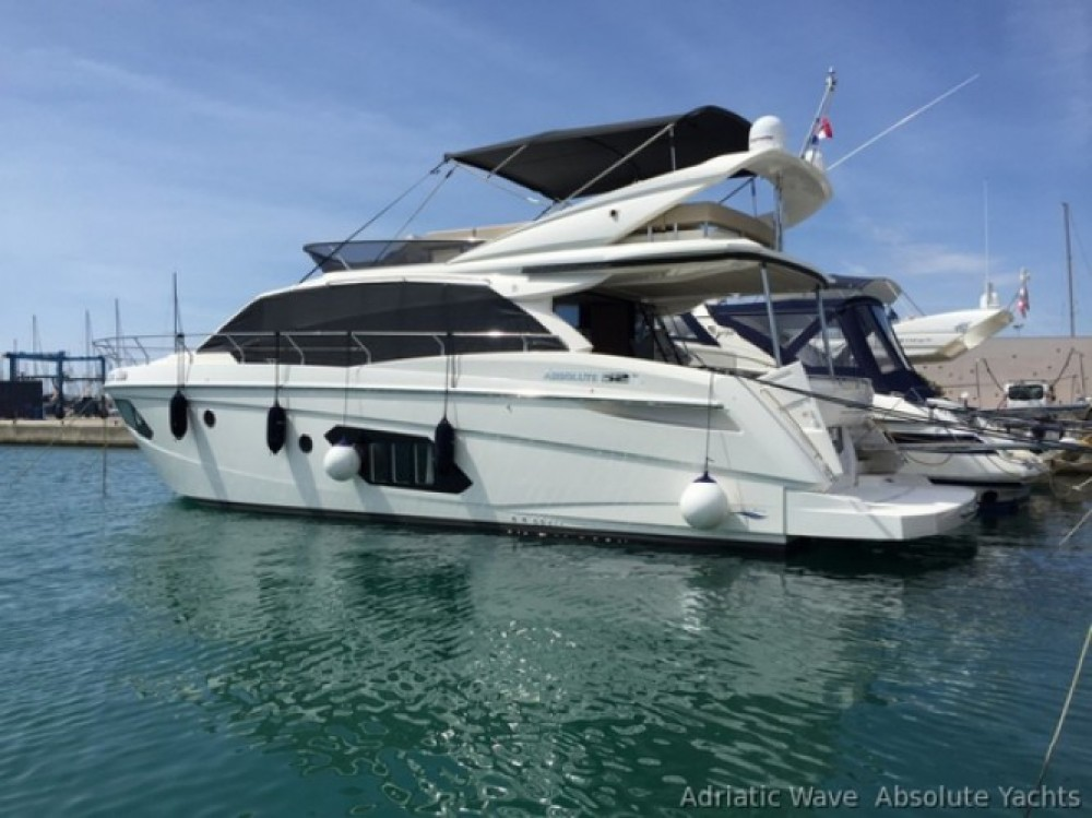 Absolute Yachts Absolute 52 Fly between personal and professional Hyères