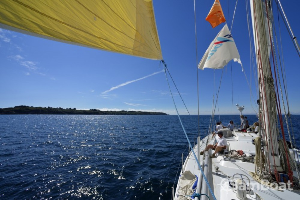 Hire Sailboat with or without skipper Devonport-Yachts-Ltd Lorient