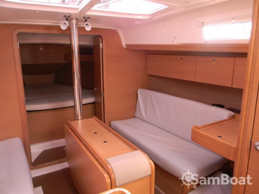 Rental Sailboat in La Rochelle - Dufour Dufour 350 Grand Large