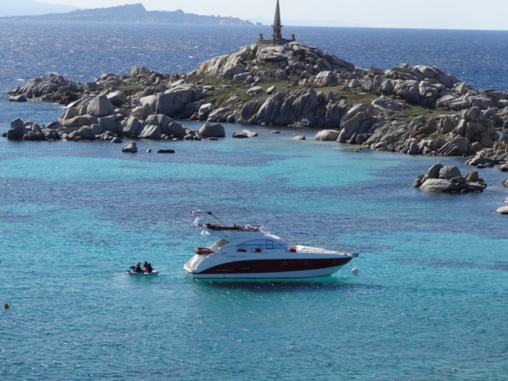 Boat rental Bénéteau Monte Carlo 47 Fly in Antibes on Samboat