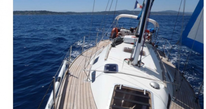 Sailboat for rent Port Cogolin at the best price