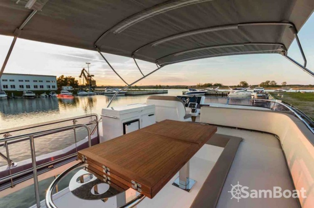 Galeon Galeon 550 Fly between personal and professional Vallauris