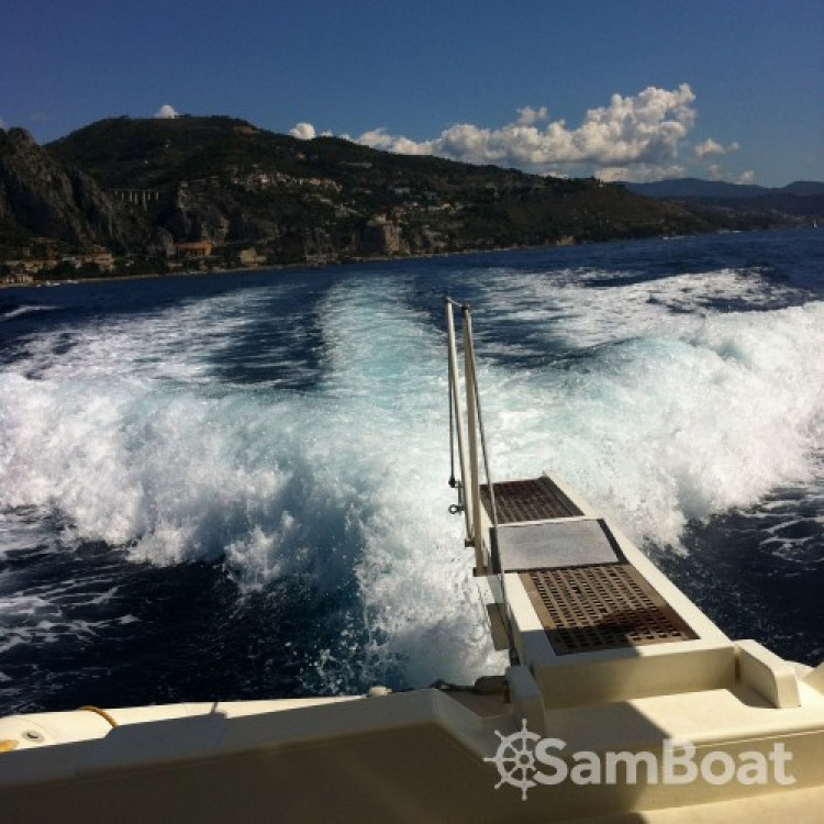 Boat rental  cheap Guy Couach 1402