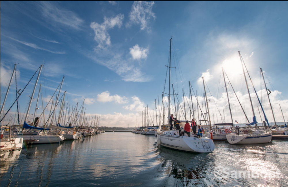 Boat rental Brest cheap First 31.7
