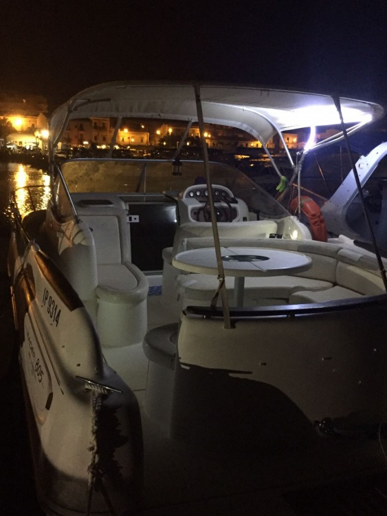 Boat rental Jeanneau Leader 805 in Syracuse on Samboat