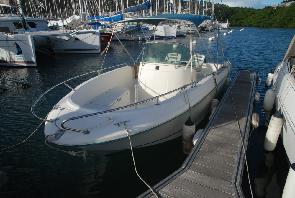 Motor boat for rent Martinique at the best price