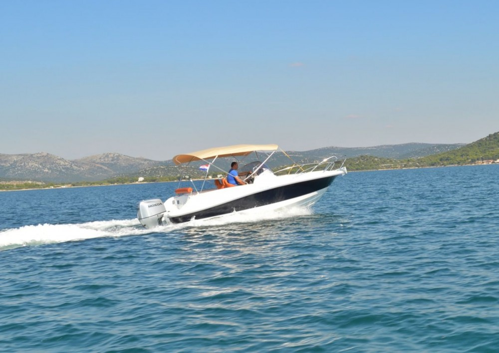 Hire Motor boat with or without skipper Marion  Betina
