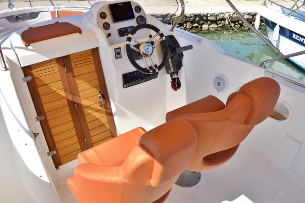 Rental Motor boat in Betina - Marion  730 Sport