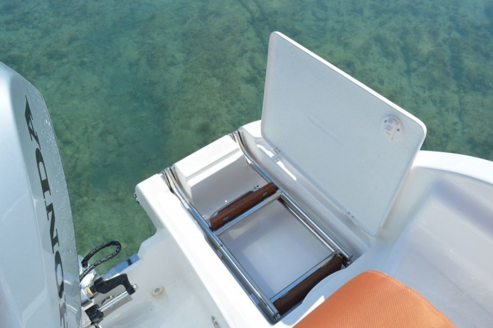 Rental Motor boat Marion  with a permit