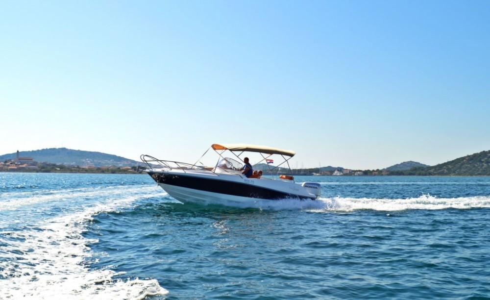 Boat rental Marion  730 Sport in Betina on Samboat