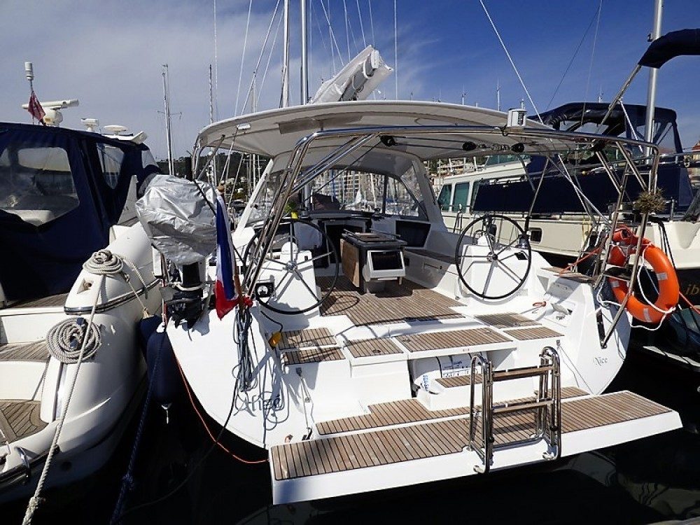 Bénéteau Oceanis 45 between personal and professional Cannes