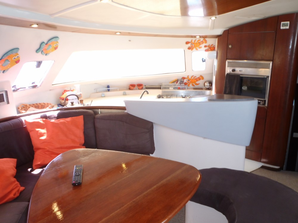 Hire Catamaran with or without skipper Fountaine Pajot Saint-François