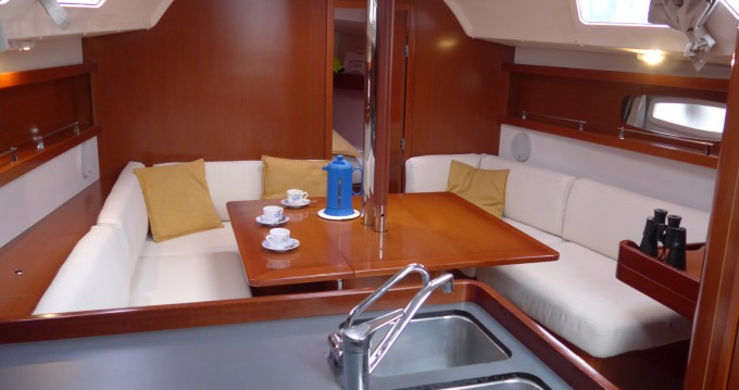 Rental yacht Toulon - Bénéteau Oceanis 34 Elegance on SamBoat