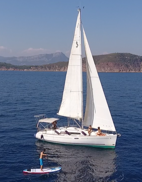 Hire Sailboat with or without skipper Bénéteau Toulon