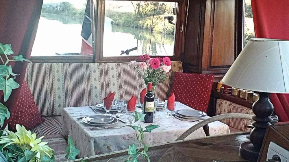Hire Canal boat with or without skipper Canal-Du-Midi Portiragnes