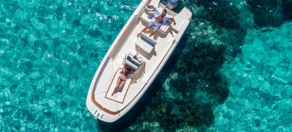 Boat rental Invictus  190FX in Trogir on Samboat