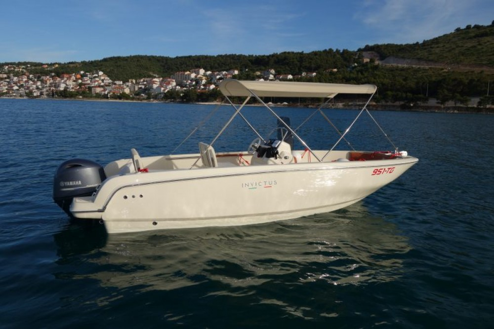 Invictus  190FX between personal and professional Trogir