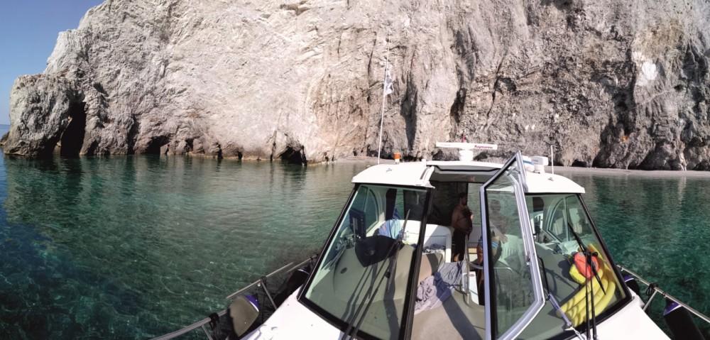 Rental Motor boat in Skiáthos - Cruisers-Yachts Cruisers Yachts 430cc