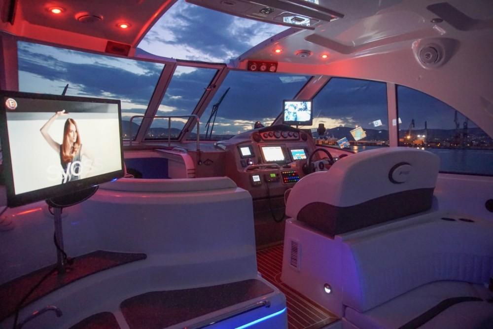 Rental yacht Skiáthos - Cruisers-Yachts Cruisers Yachts 430cc on SamBoat