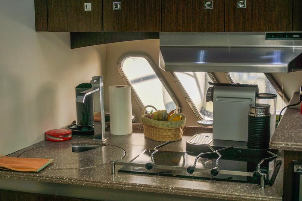 Rent a Cruisers-Yachts Cruisers Yachts 430cc Skiáthos