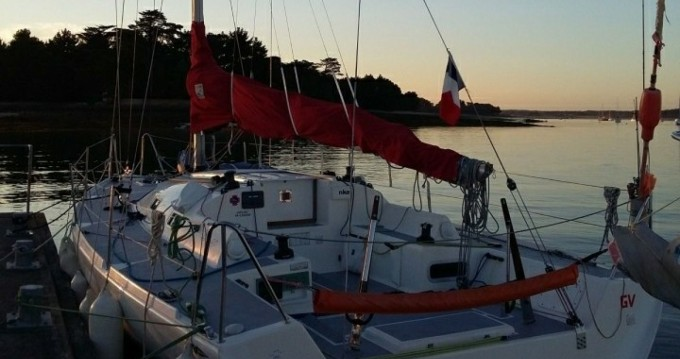 Sailboat for rent Loctudy at the best price