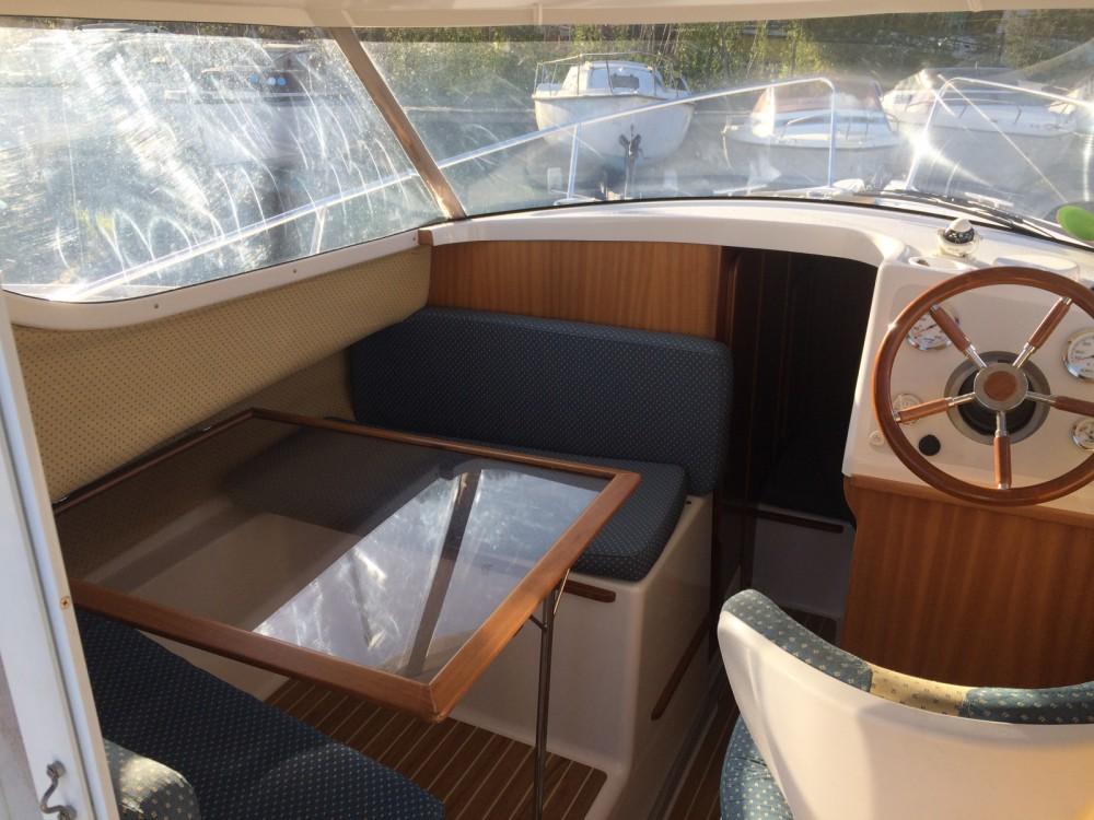 Boat rental Quicksilver Week End in  on Samboat
