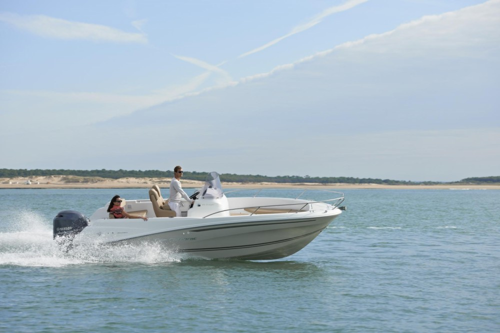 Motor boat for rent La Rochelle at the best price