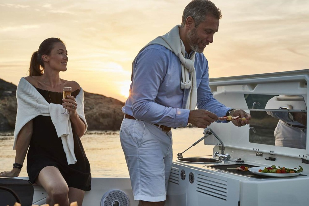 Hire Motor boat with or without skipper Prestige Cogolin