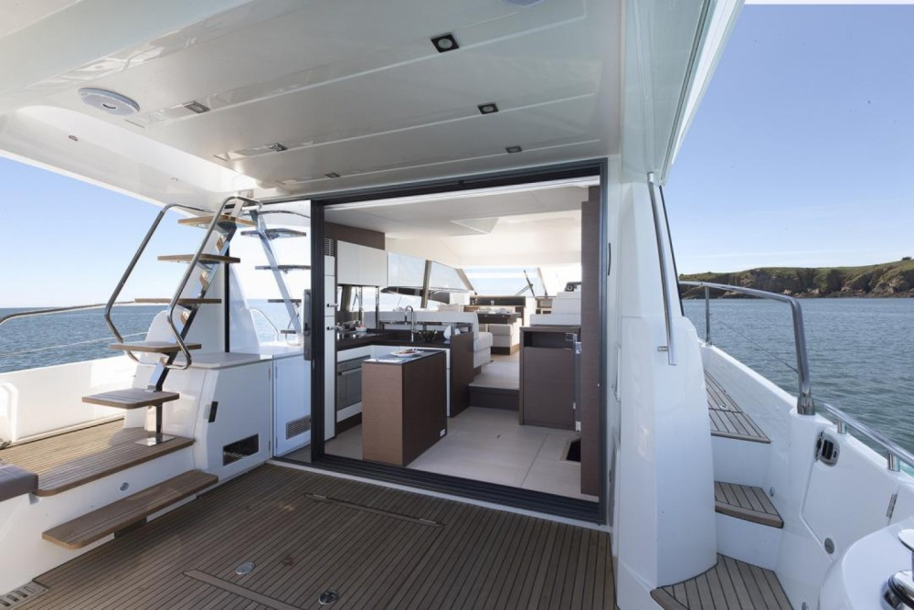 Rental Motor boat Prestige with a permit