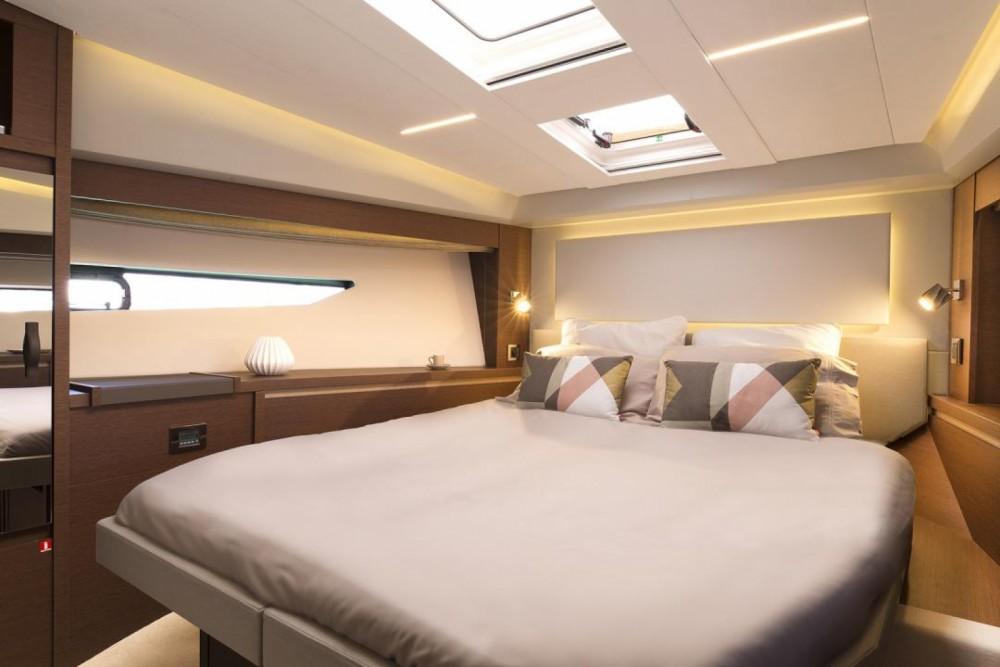 Rental Motor boat in Cogolin - Prestige Prestige 520 Fly