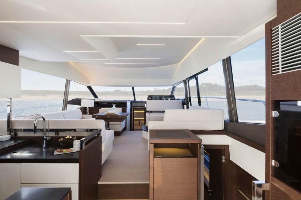 Boat rental Prestige Prestige 520 Fly in Cogolin on Samboat