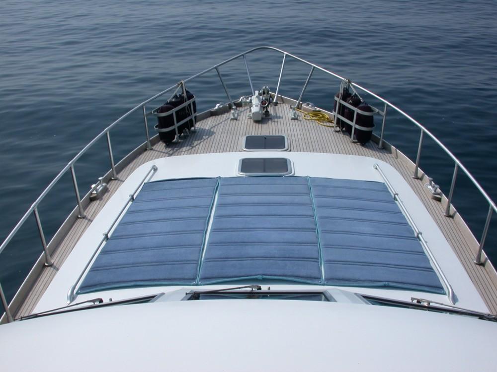 Rental Motor boat in La Spezia - Camuffo C16