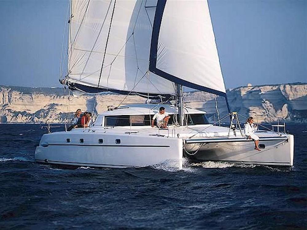 Rental Catamaran in  - Fountaine Pajot Belize 43